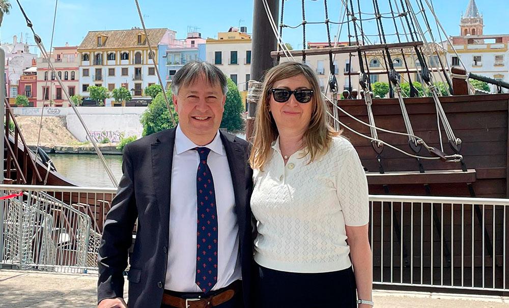 Dionisio Redondo y Carolina García, de la editorial Taberna Libraria